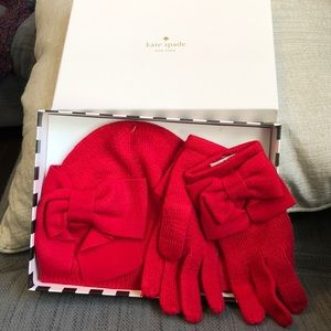 NIB Kate Spade Dorothy red hat and gloves with bow